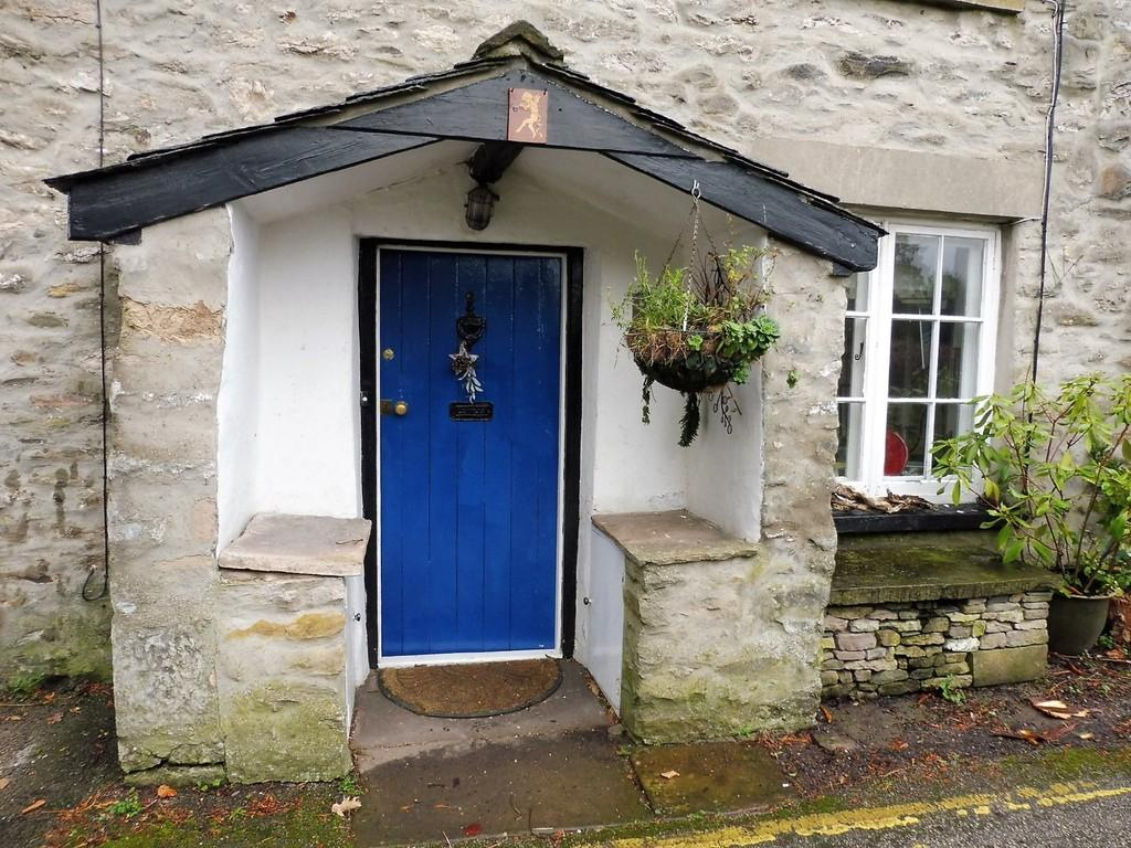 2 Bedrooms Cottage House for sale in Vicarage Lane, Kirkby Lonsdale