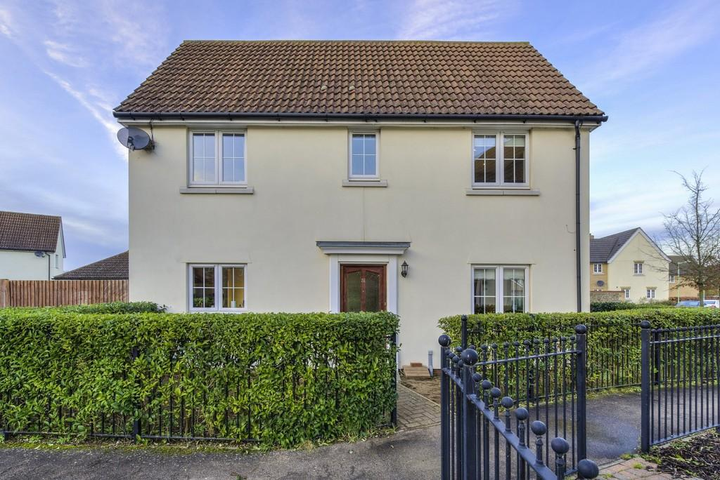 3 Bedrooms Semi Detached House for sale in Harebell Road, Red Lodge