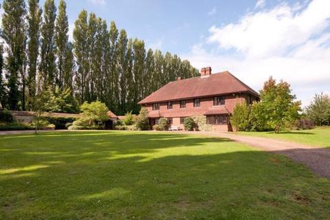 6 bedroom detached house to rent - Teston Road, Offham
