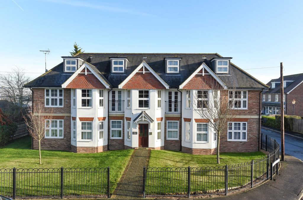 2 Bedrooms Apartment Flat for sale in Maidstone Road, Paddock Wood