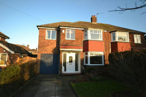 4 Bedrooms Semi Detached House for sale in Ashridge Drive, CLEETHORPES