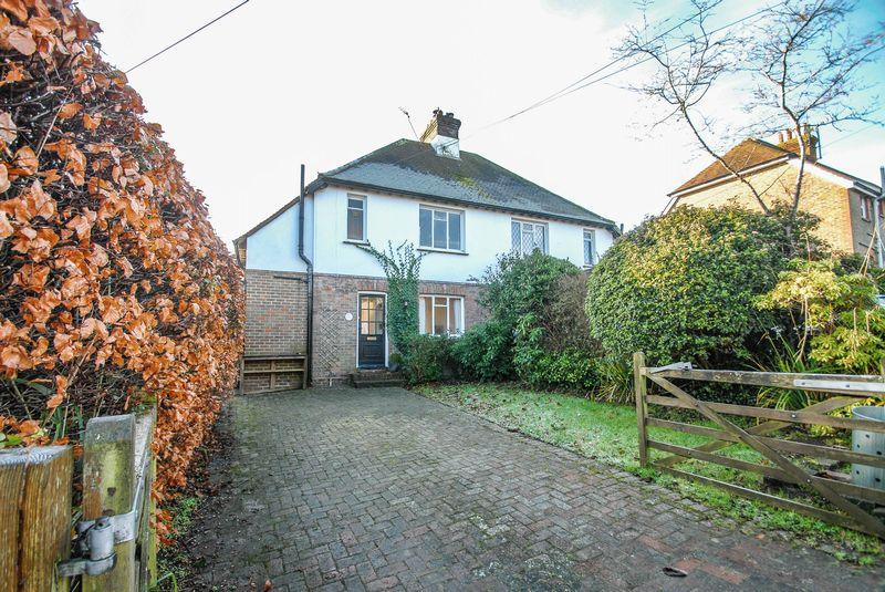 3 Bedrooms Semi Detached House for sale in East Gardens, Ditchling