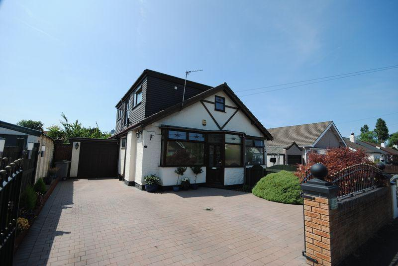 2 Bedrooms Semi Detached Bungalow for sale in Cartmel Drive, Moreton