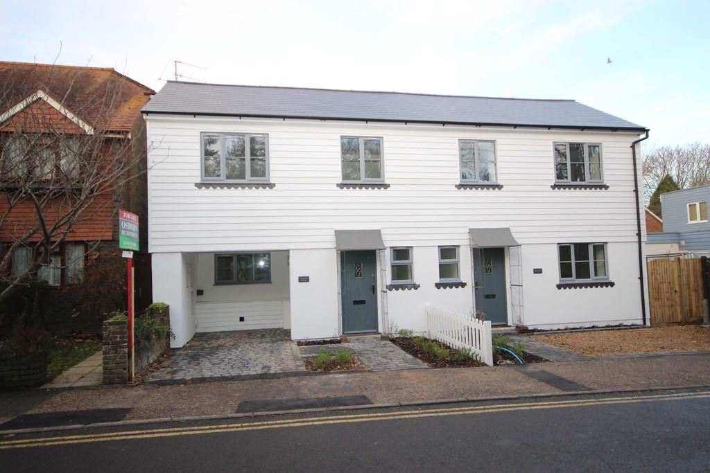 3 Bedrooms Semi Detached House for sale in Steyning
