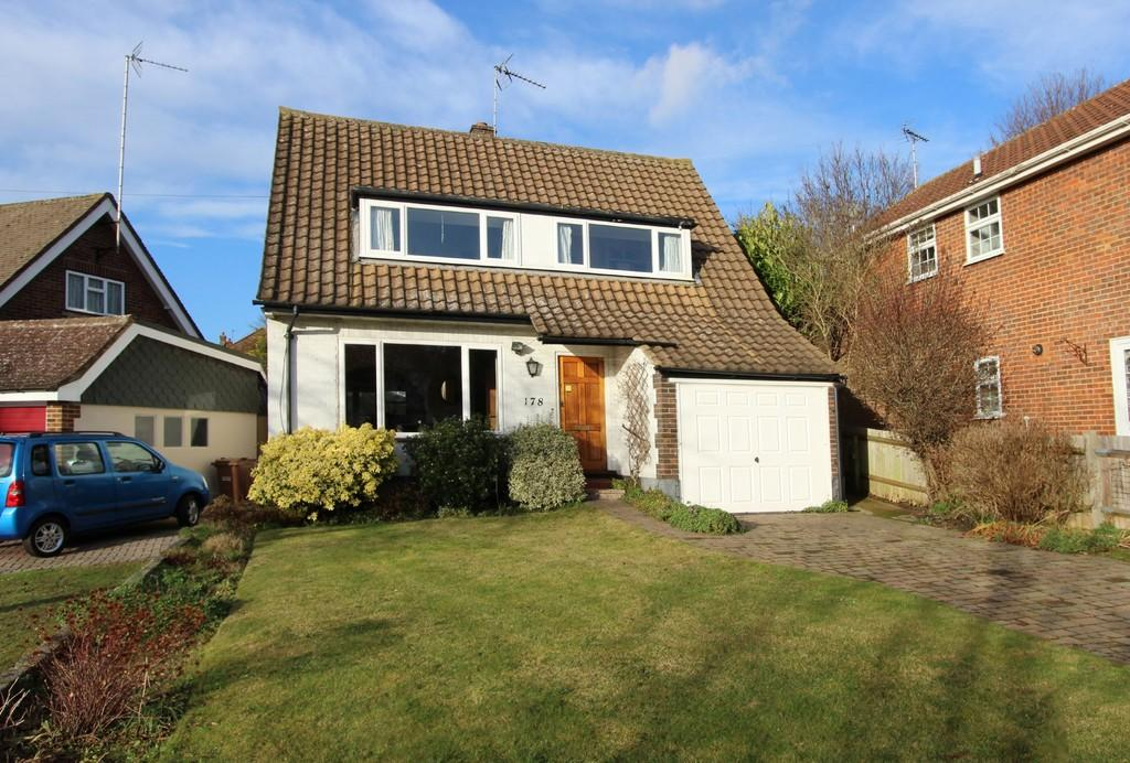 3 Bedrooms Detached House for sale in Warren Road, Banstead