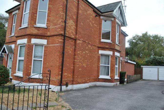 1 Bedroom Flat for sale in Belvedere Road, Charminster