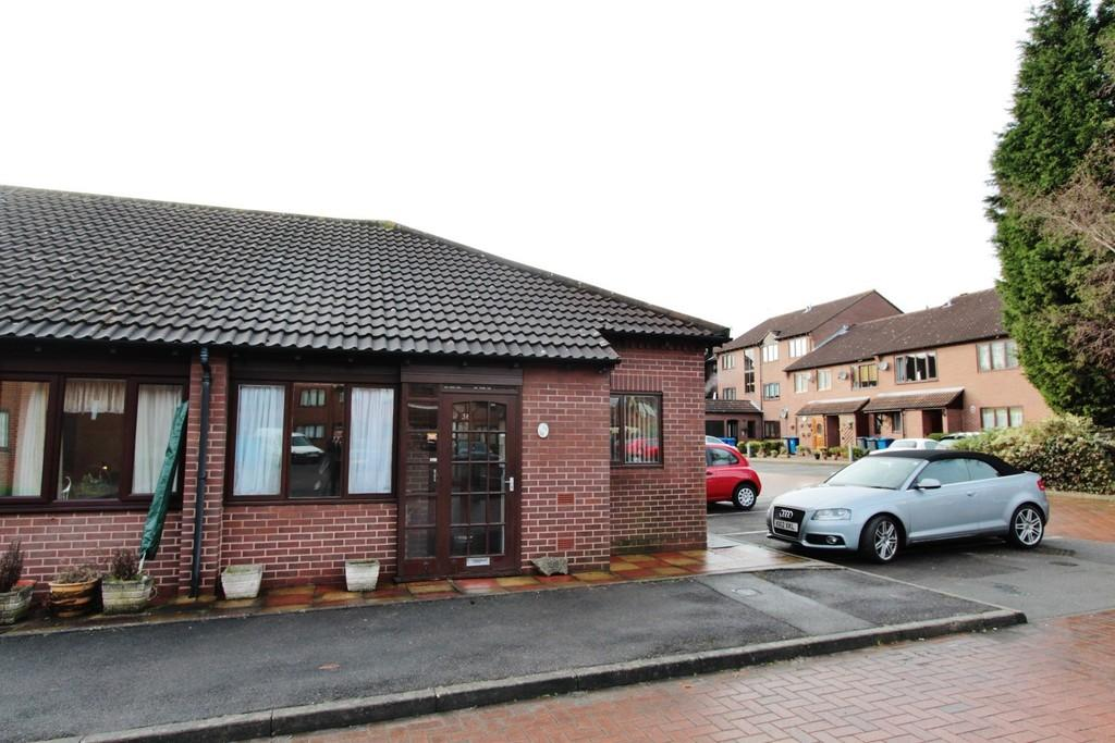 2 Bedrooms Semi Detached Bungalow for sale in Saxon Mill Lane, Tamworth