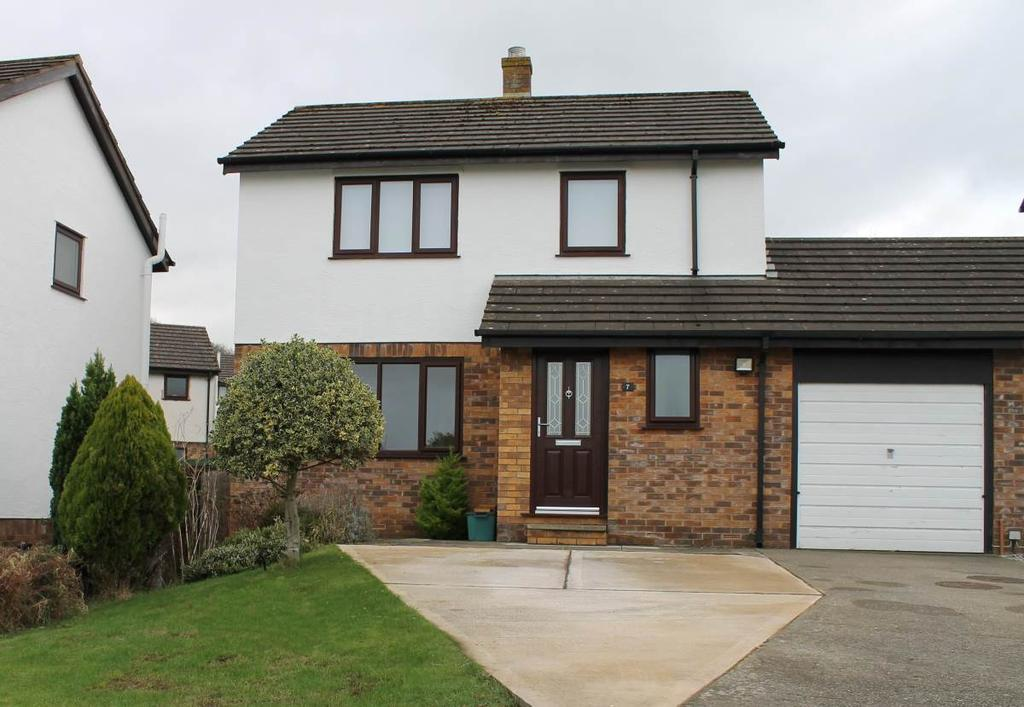 3 Bedrooms Detached House for sale in 7 Tan Y Maes, Glan Conwy, LL28 5LQ
