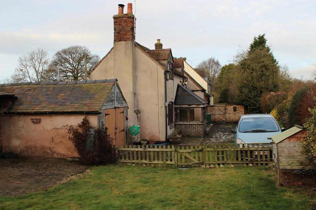 3 Bedrooms Detached House for sale in Lion Cottage, Lion Cottage