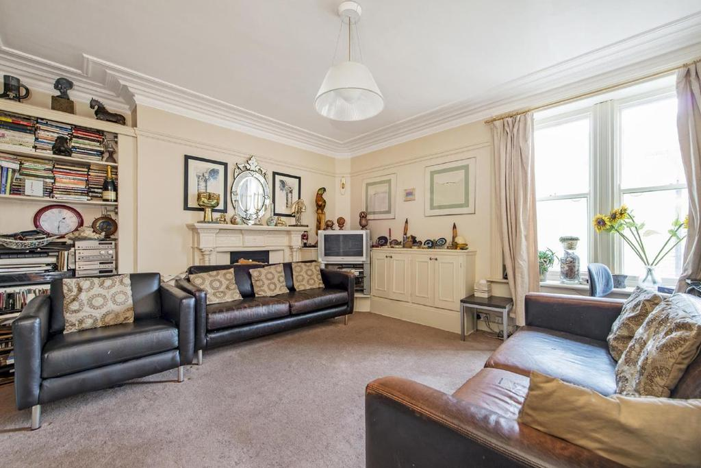 3 Bedrooms Flat for sale in Southampton Row, Bloomsbury