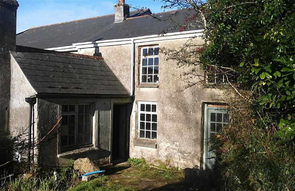 2 Bedrooms Semi Detached House for sale in Higher Stennack, Troon, Camborne, Cornwall, TR14
