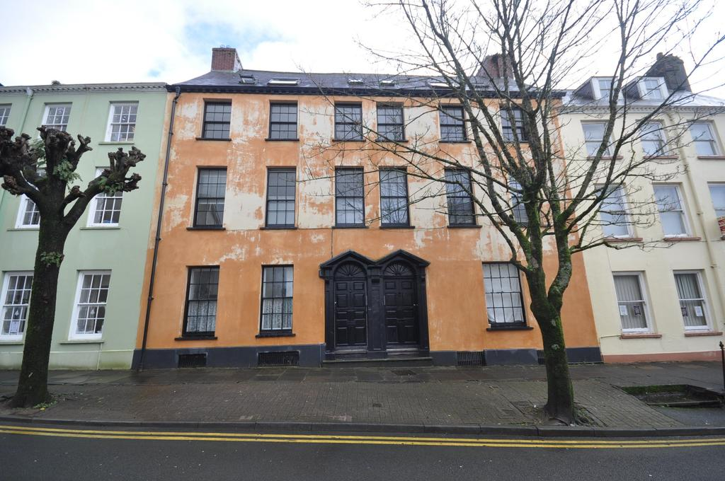 5 Bedrooms Block Of Apartments Flat for sale in 8 Quay Street, Carmarthen, SA31 3JT