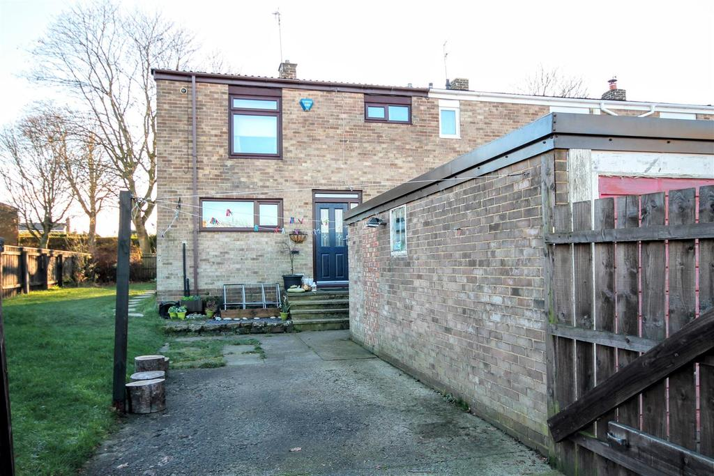 3 Bedrooms Semi Detached House for sale in Oakfield, Newton Aycliffe