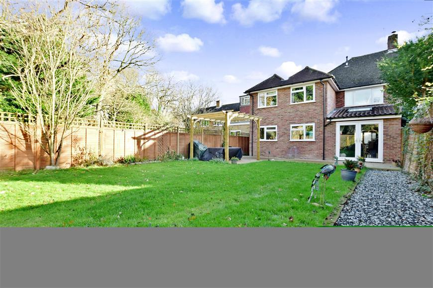 5 Bedrooms Semi Detached House for sale in Fernholt, Tonbridge, Kent