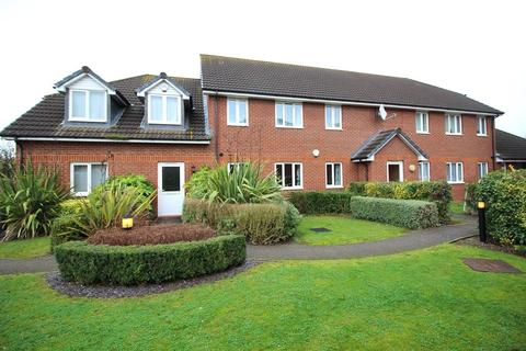 2 bedroom ground floor flat for sale - Chiltern Close, Chelmsford, Essex, CM1