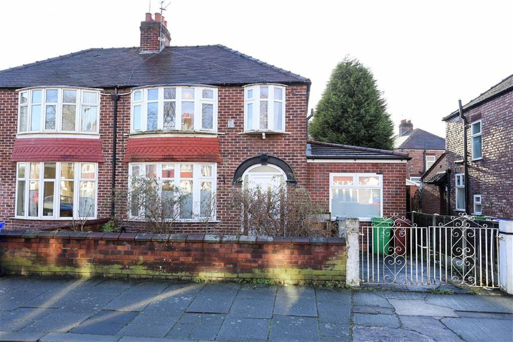 4 Bedrooms Semi Detached House for sale in Arnfield Road, Withington, Manchester