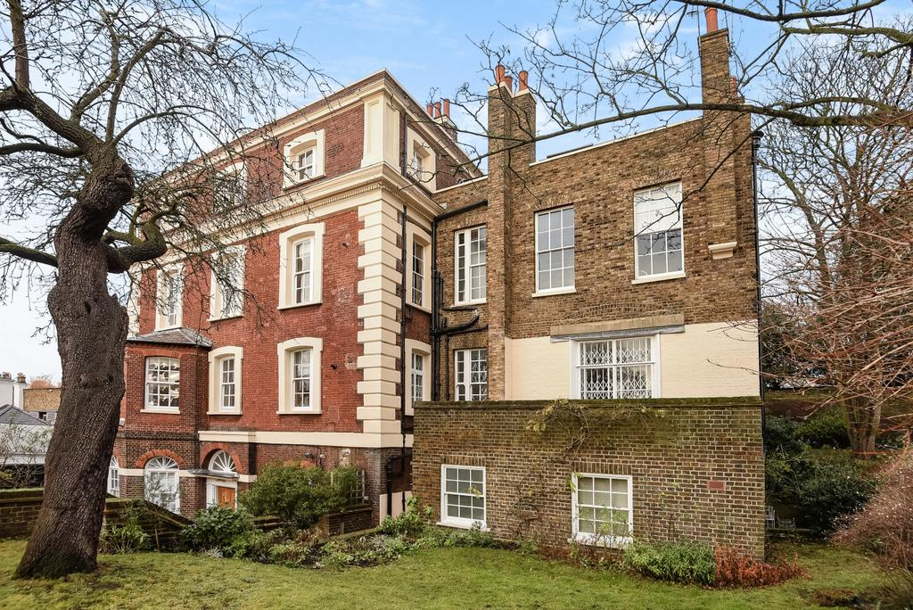 3 Bedrooms Flat for sale in Crooms Hill London SE10