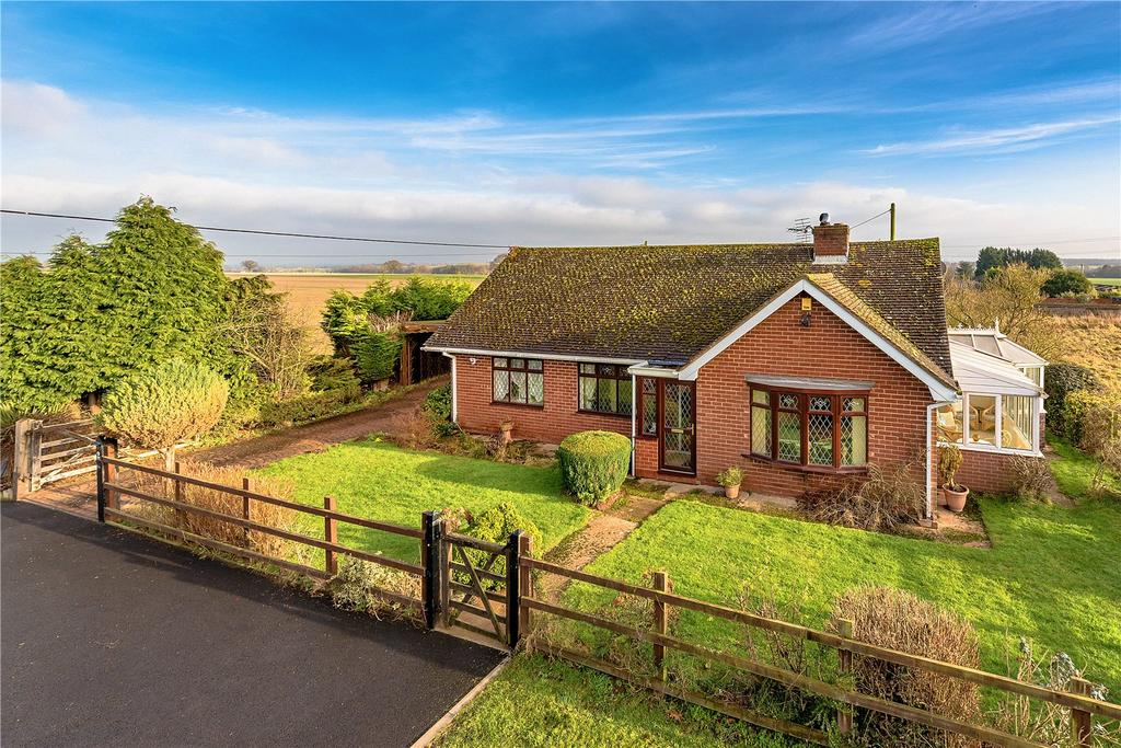 2 Bedrooms Detached Bungalow for sale in 2 Snowdon Road, Beckbury, Shifnal, Shropshire, TF11