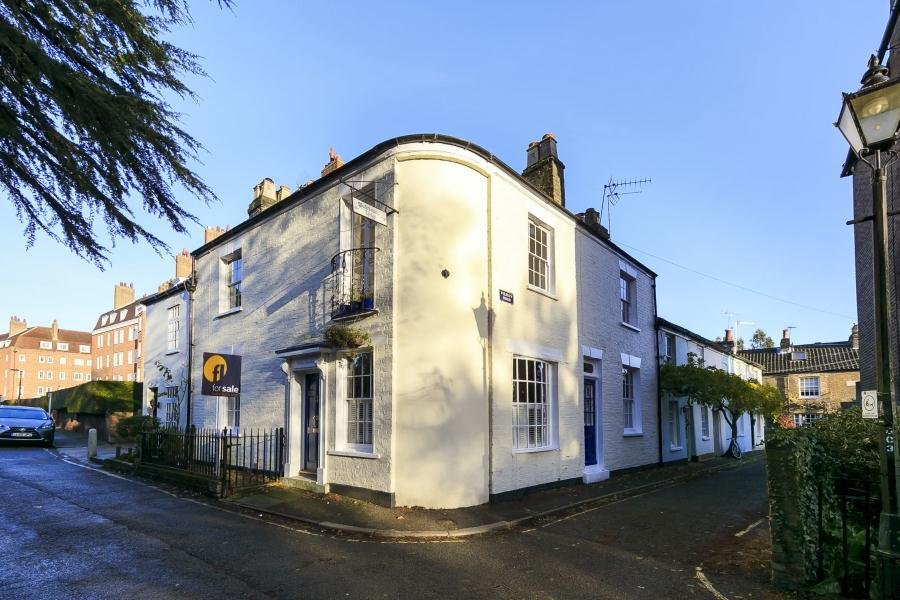 3 Bedrooms End Of Terrace House for sale in Sion Road, Twickenham Riverside, TW1