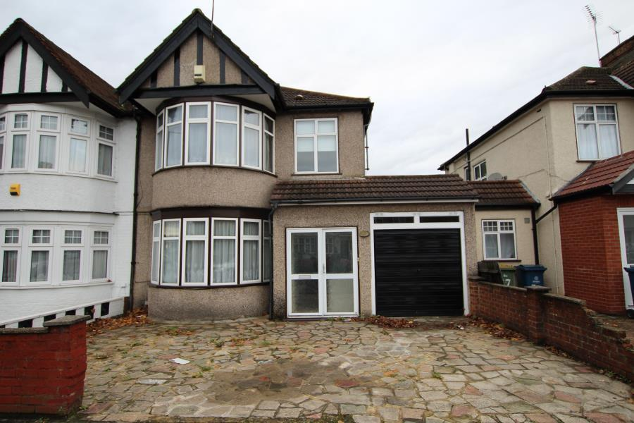 3 Bedrooms Semi Detached House for sale in Kenton Lane, Kenton HA3 8UH