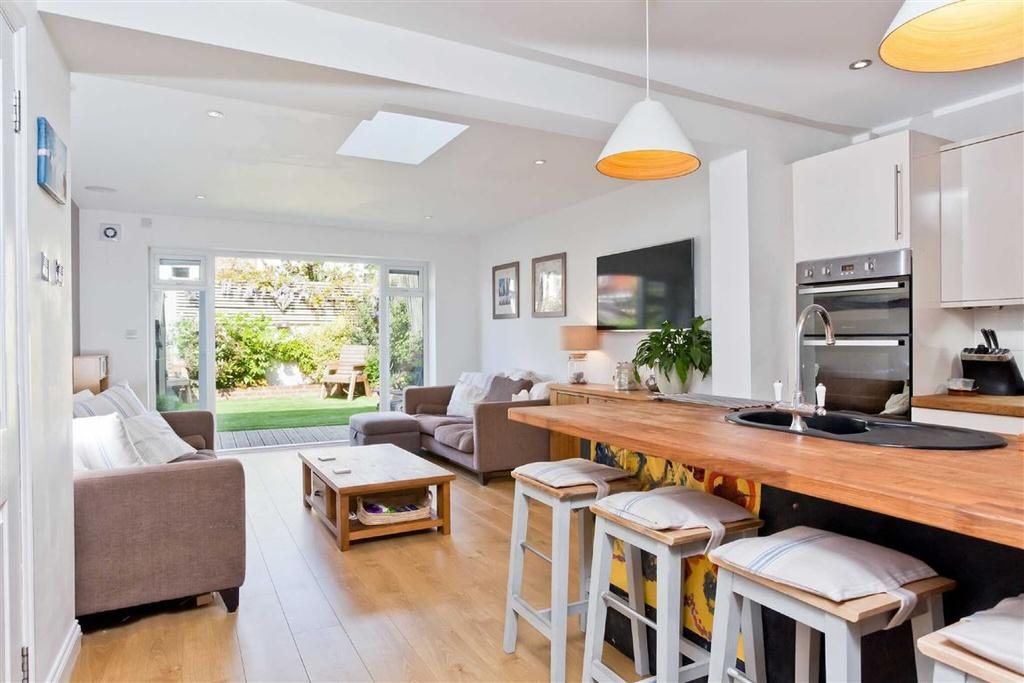 3 Bedrooms Terraced House for sale in Gordon Road, Portslade