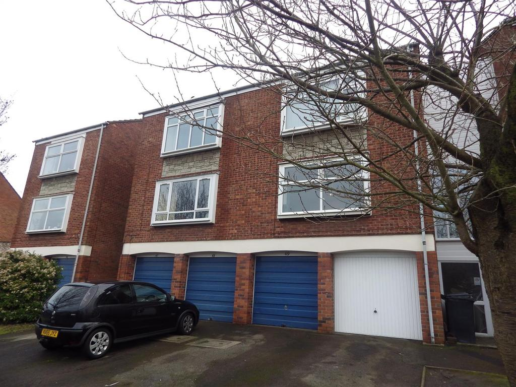 2 Bedrooms Apartment Flat for sale in Glynn Crescent, Halesowen