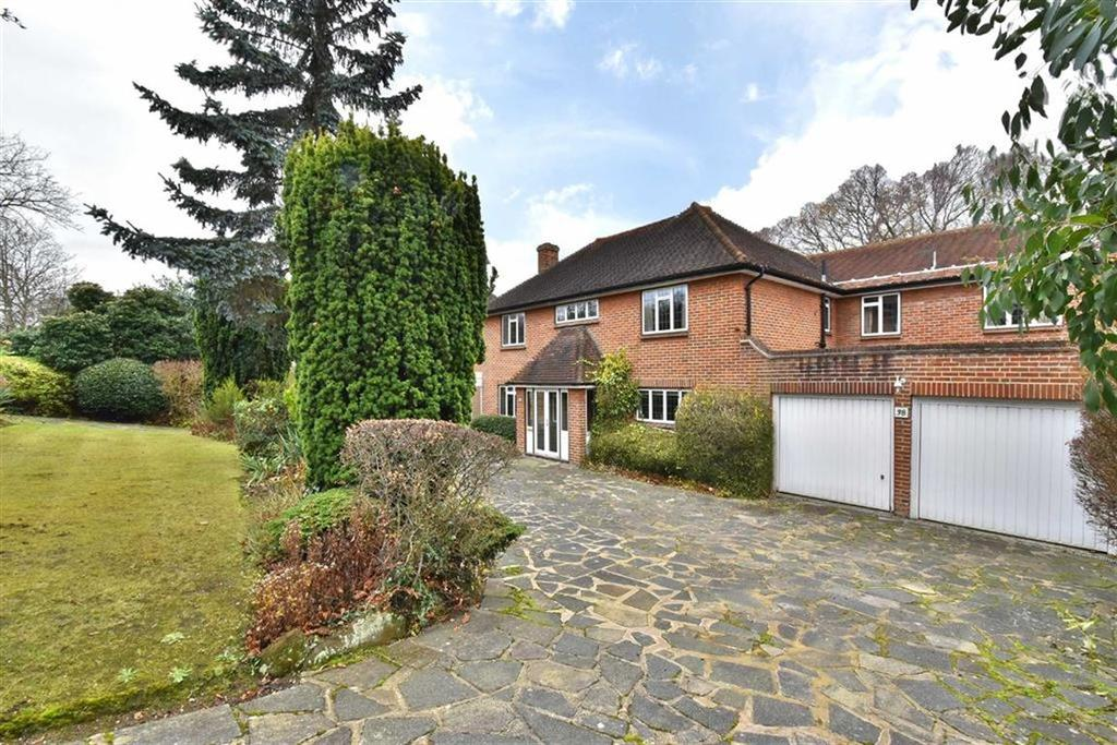 5 Bedrooms Detached House for sale in Stone Road, Bromley, Kent
