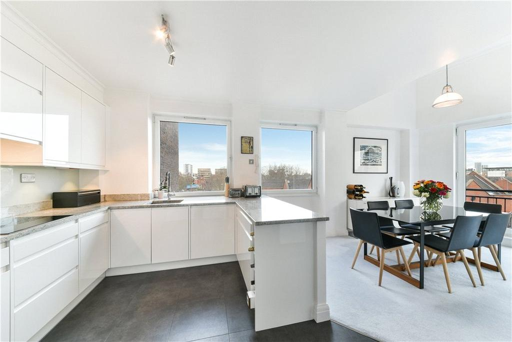 2 Bedrooms Penthouse Flat for sale in Keepier Wharf, 12 Narrow Street, Limehouse, London, E14