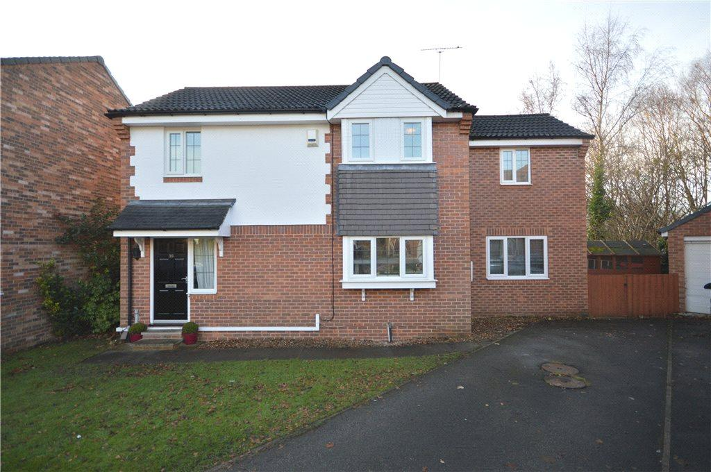 4 Bedrooms Detached House for sale in Parkland View, Yeadon, Leeds, West Yorkshire