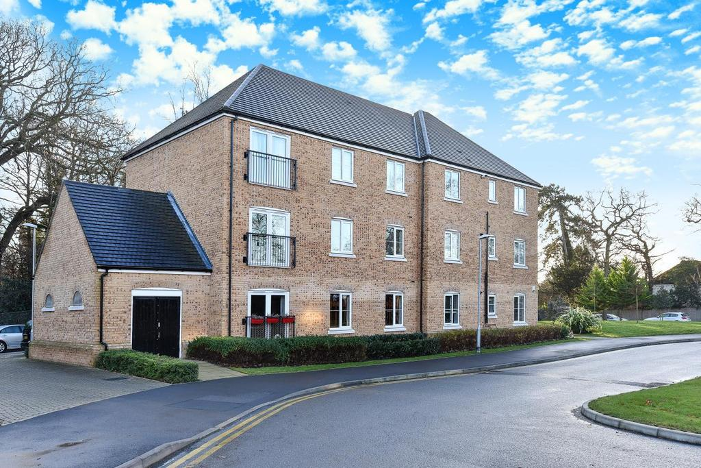 2 Bedrooms Flat for sale in Waratah Drive, Chislehurst