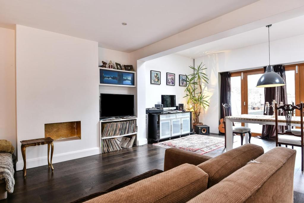 3 Bedrooms Semi Detached House for sale in Idmiston Road, West Norwood