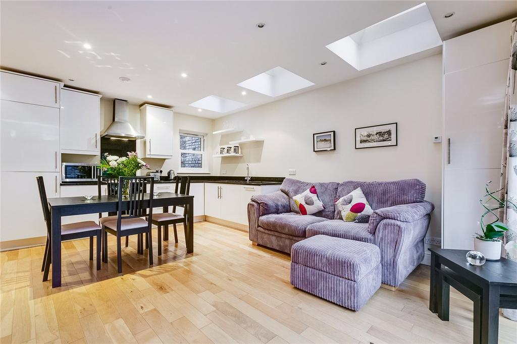 2 Bedrooms Flat for sale in Tynemouth Street, Sands End, Fulham, LONDON