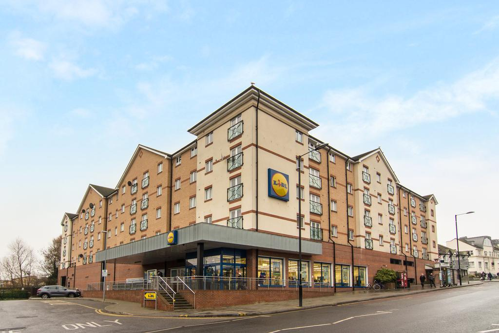 2 Bedrooms Flat for sale in Macmillan Court, 309 Ruislip Road East, Greenford