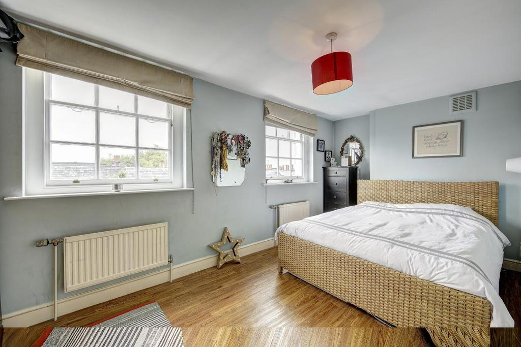 2 Bedrooms Flat for sale in Great Percy Street, Clerkenwell