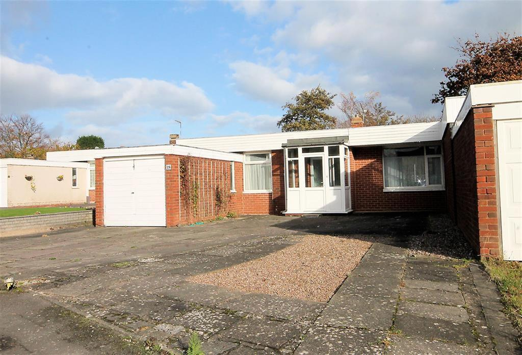 2 Bedrooms Bungalow for sale in Carlton Crescent, Coton Green, Tamworth, B79 8EX