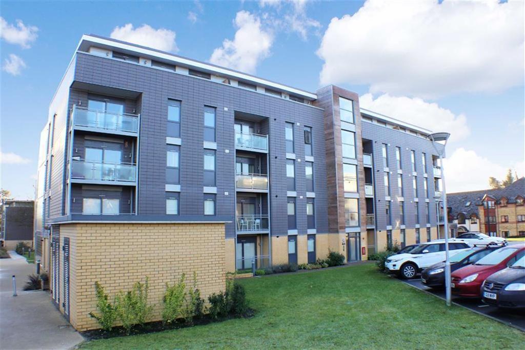 2 Bedrooms Flat for sale in Somerville Court, St Albans, Hertfordshire