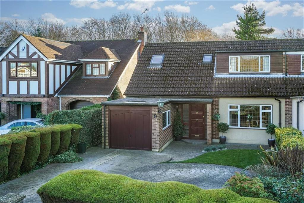 3 Bedrooms Semi Detached House for sale in Mayflower Road, St Albans, Hertfordshire