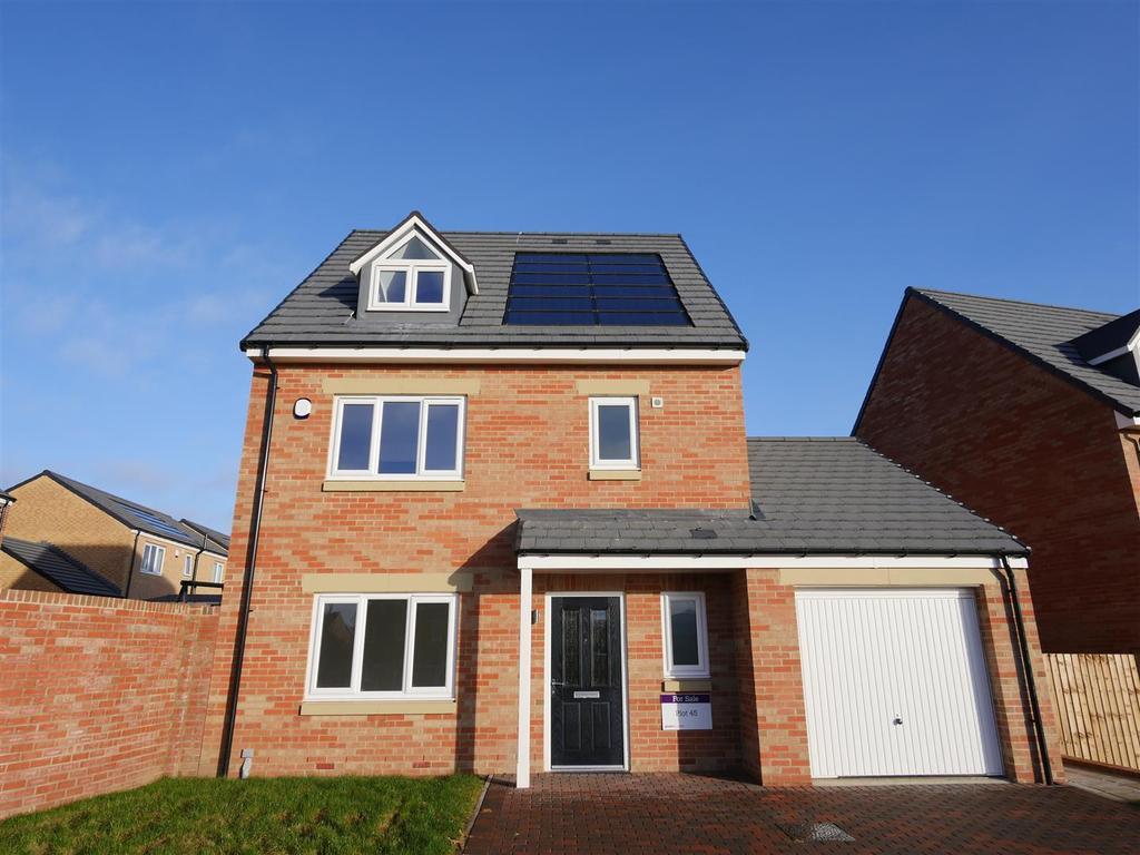 4 Bedrooms Detached House for sale in Thurcroft, Doxford Park, Sunderland