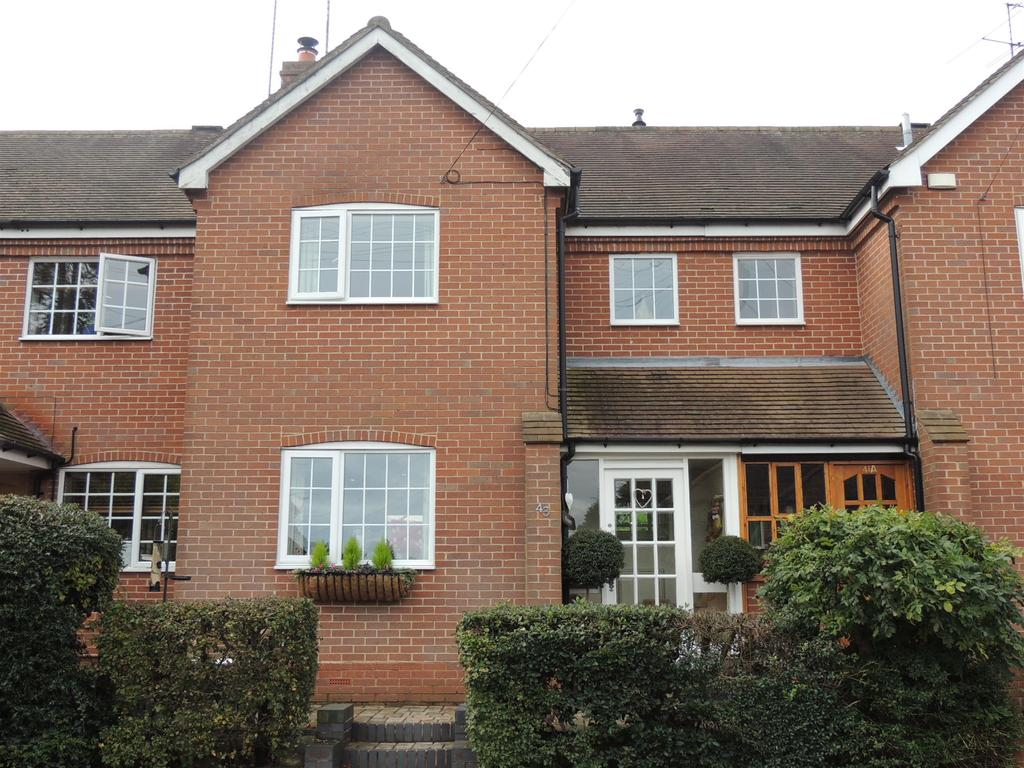 3 Bedrooms Terraced House for rent in Fentham Road, Hampton in Arden, Solihull, B92 0AY