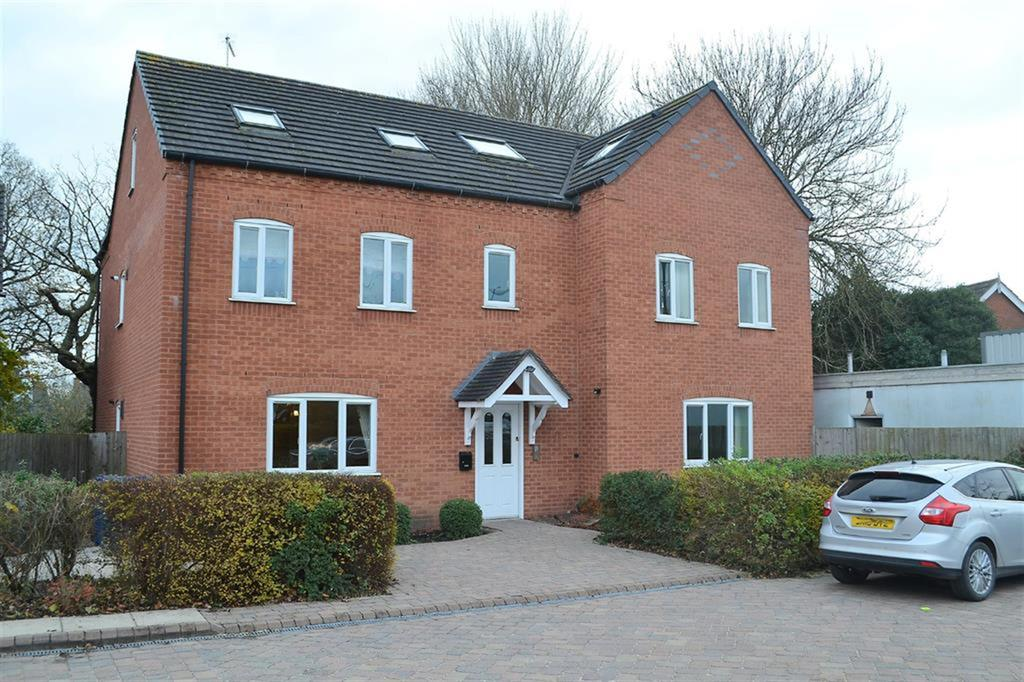 2 Bedrooms Apartment Flat for sale in Burton Road, Streethay, Lichfield