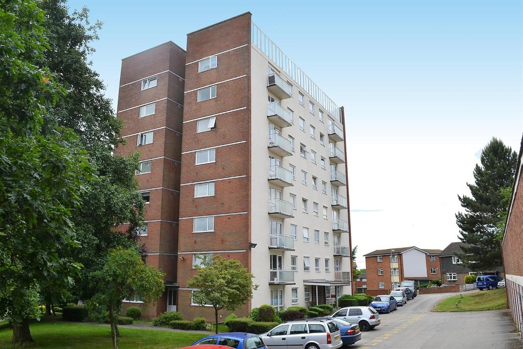 2 Bedrooms Flat for sale in Hobs Road, Lichfield