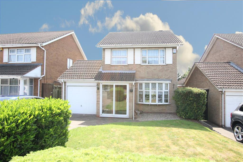 3 Bedrooms Detached House for sale in Walmley Ash Road, Walmley, Sutton Coldfield. B76 4BW