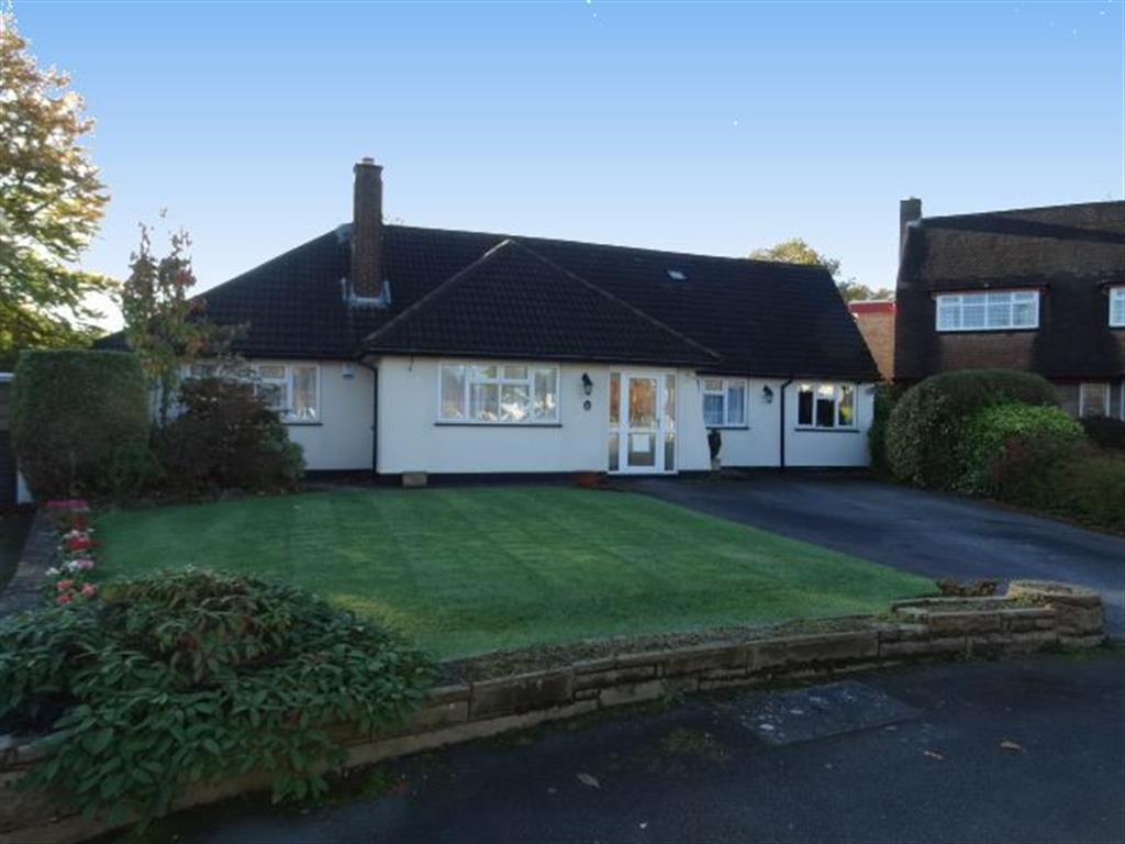 4 Bedrooms Bungalow for sale in Thornhill Park, Streetly, Sutton Coldfield, B74 2LN