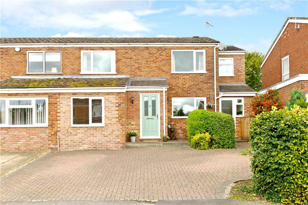 4 Bedrooms Semi Detached House for sale in Vandyke Close, Woburn Sands, Milton Keynes, Buckinghamshire