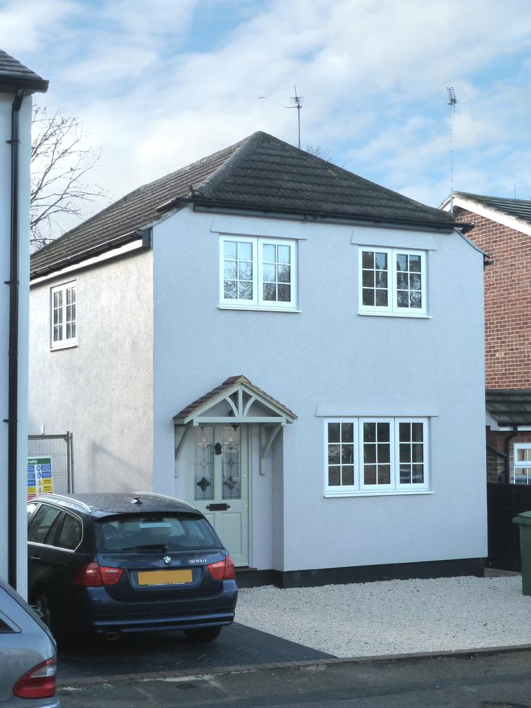 4 Bedrooms Detached House for sale in Anderson Road, Weybridge KT13