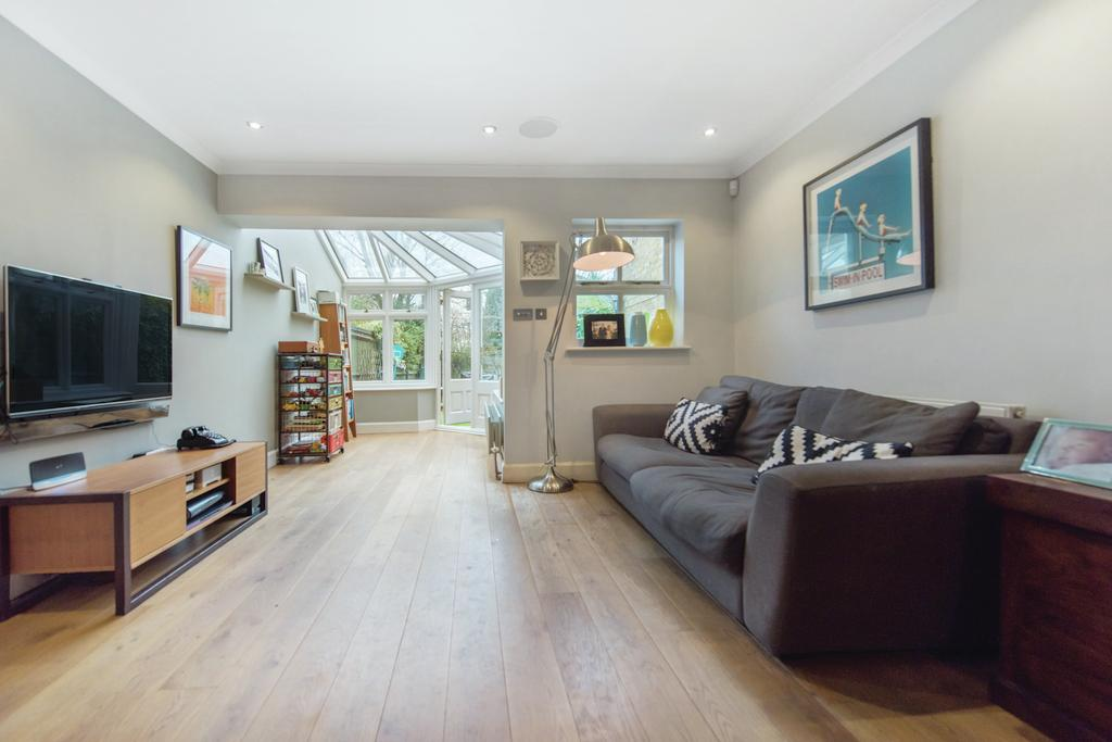 4 Bedrooms Mews House for sale in Fernbank Mews, SW12