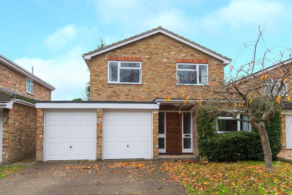 4 Bedrooms Detached House for sale in Wooburn Moor