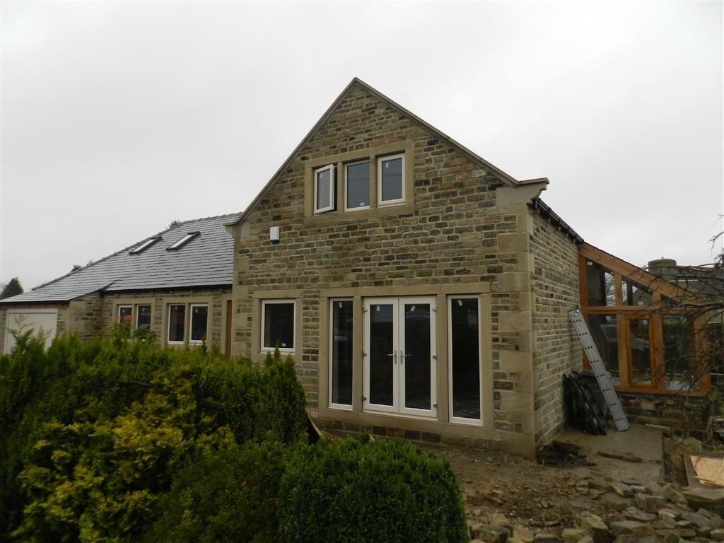 4 Bedrooms Detached House for sale in Cross Lane, Stocksmoor, Huddersfield, HD4