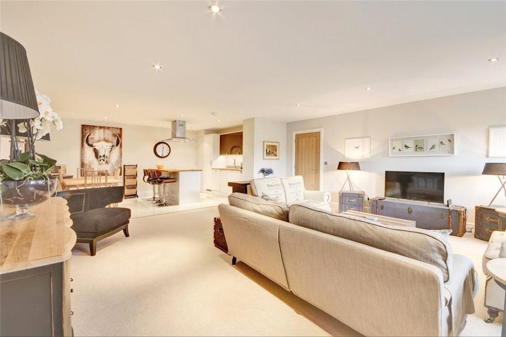2 Bedrooms Penthouse Flat for sale in Rodney Road, Cheltenham, Gloucestershire, GL50