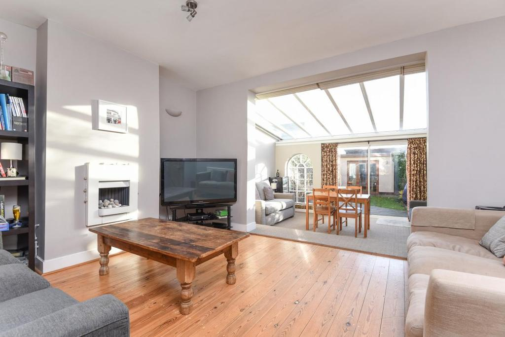 4 Bedrooms Terraced House for sale in Lydden Grove, Earlsfield